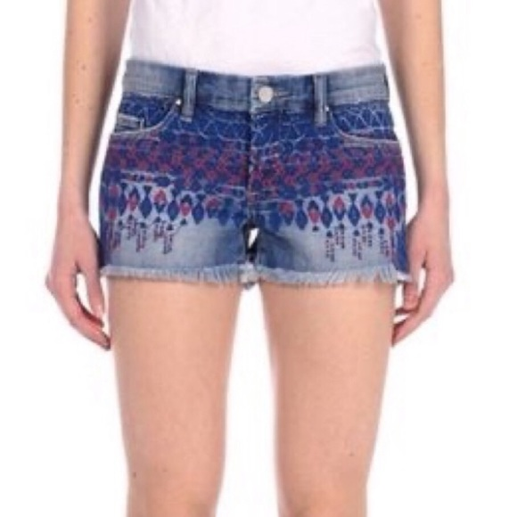 Blank NYC Little Queenie Embroidered Short NWT